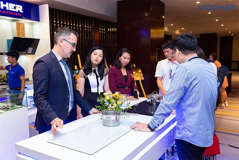 """Cafef.vn - Kocher """"bắt tay"""" với các tập đoàn công nghệ hàng đầu thế giới sản xuất mẫu bếp từ mới"""